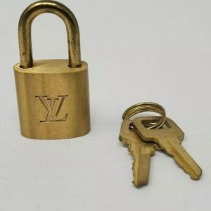 AUTHENTIC vintage louis vuitton lock & keys